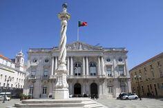 A informação consta no site da autarquia lisboeta, a câmara gastou 17.500,00 € (+IVA) só para as refeições do evento