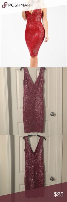Life of the Party Dress 🎉 Gorgeous garnet colored fitted dress. Size Small. Bought from a boutique, but it ended up being too low cut for my taste and small chest 😂 The dress is beautiful and has glitter all over. It has tons of stretch and would be great for a special occasion or night out. Shop Hope's Dresses