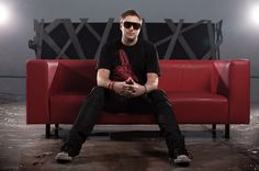 After an extremely successful South and North American tour UMEK is back in the US for yet another lecture of proper techno and tech-house. Top Dj, American Tours, Tech House, Dubstep, House Music, Trance, Techno, Mens Sunglasses, Normcore