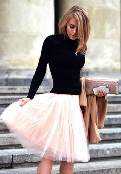 This outfit is simple but super cute and elegant! It reminds me of a ballerina