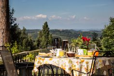 Let your guests have the opportunity to enjoy not only a #homemade breakfast but also this magic view! Borgo Bucciano is your #weddingvenue in #Italy <3