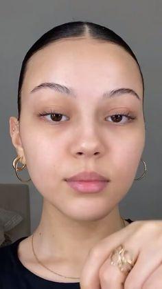 Strobing Makeup, Contour Makeup, Skin Makeup, Beauty Makeup, Natural Everyday Makeup, Natural Makeup Tips, Makeup Blending Sponge, Beautiful Girl Makeup, Makeup Makeover