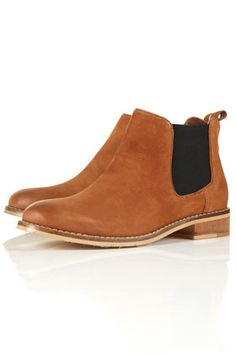 I found them!!!! THE perfect chelsea boots.