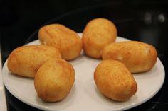 Trece tipos de croqueta Tea Snacks, Dominican Food, Food Decoration, Kitchen Hacks, Tapas, Kids Meals, Food To Make, Finger Foods, Thermomix