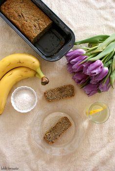Lekki brzusio.: Owsiany chlebek bananowy