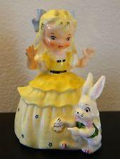 Vintage 1956 Napco 'Alice in Wonderland' Figurine S1492B