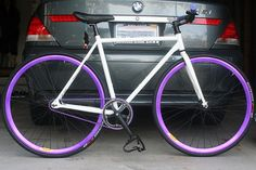 Fixed Gear Bike ~absolutely love this! Cool Bicycles, Cool Bikes, Montain Bike, Cycling Motivation, Urban Bike, Speed Bike, Fixed Gear Bike, Bicycle Design, Sport Bikes