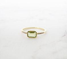 Unique engagement ring, Simple diamond engagement ring, Peridot ring, Baguette engagement ring, Diamond Gold Ring, 18K, Minimal, Gemstone