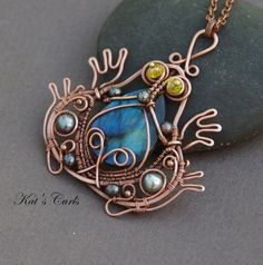 Wire frog with lovely stone body