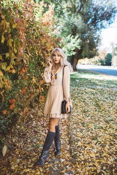 The leaves have changed colors and are falling all around us. The weather has started to change and cool, even whisper of hi. Look Cool, Get The Look, Dress Outfits, Fall Outfits, Dresses, Cara Loren, Boss Lady, Business Women, Style Me