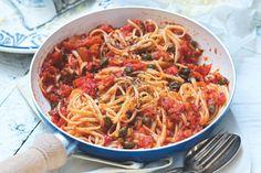 Linguine s krémovou rajčatovou omáčkou & kapary Linguine, Japchae, Spaghetti, Pasta, Amp, Ethnic Recipes, Food, Eten, Noodles
