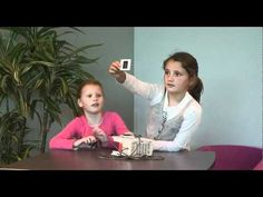 Geweldig filmpje! Kinderen in de leeftijd van 4-8 jaar worden geconfronteerd met mediadragers uit de jaren '70 '80 en '90. Dit levert verrassende reacties op!