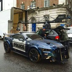 Police Blue Ford Mustang 2019 at the filming of the Transformers movie with the black Porsche Cayenne on the background Shelby Gt 500, Mustang Shelby, Mustang Cars, Carros Lamborghini, Pony Car, Ford Mustangs, Sweet Cars, Emergency Vehicles, Police Cars