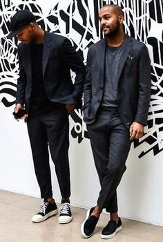 suits and sneakers. Stylish Men, Men Casual, Suits And Sneakers, Suit Fashion, Mens Fashion, Stil Inspiration, Mode Man, Look Street Style, Sharp Dressed Man