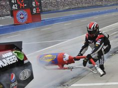 nascar pit crew deaths