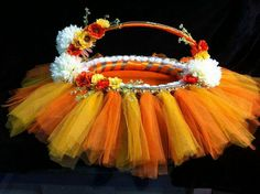 Thali Decoration Ideas, Diwali Decorations, Basket Decoration, Festival Decorations, Wedding Decorations, Desi Wedding Decor, Wedding Mandap, Wedding Crafts, Wedding Gift Baskets
