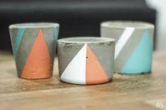 Resultado de imagem para diy vaso de cimento Cement Pots, Concrete Planters, Cactus Y Suculentas, Succulent Pots, Projects To Try, Arts And Crafts, Diy, Vase, Tableware
