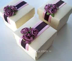 Tying The Knot: Wedding Planning Tips And Tricks Wedding Cake Bags, Wedding Gift Baskets, Wedding Favor Boxes, Wedding Candy, Wedding Gifts, Creative Gift Wrapping, Creative Gifts, Cajas Silhouette Cameo, Scrapbook Box