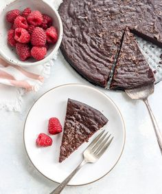 Healthy Cake, Healthy Foods To Eat, Healthy Treats, Healthy Desserts, Healthy Recipes, Vegan Cake, Yummy Treats, Flourless Chocolate Cakes, Chocolate Flavors