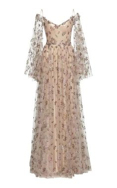 Embroidered Tulle Ramage Long Dress by Luisa Beccaria Fall Winter 2018 Ball Dresses, Prom Dresses, Formal Dresses, Long Dress Formal, Dress Long, Fantasy Dress, Looks Cool, Vintage Dresses, Vintage Long Dress