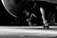 Espetáculos/O mistério das pernas...