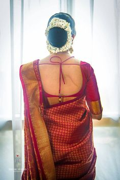 This is The Most Favourite Hairstyle To Wear With Saree Even Now! Cotton Saree Designs, Wedding Saree Blouse Designs, Pattu Saree Blouse Designs, Fancy Blouse Designs, Ethnic Hairstyles, Bridal Hairstyles, Party Hairstyles, Backless, Stylish