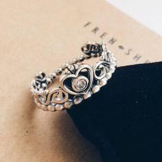 Elegant Silver Toned Princess Tiara Crown Ring Size 6 - Perfect Gift