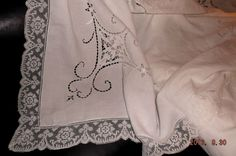 "Vintage Italian 1930's Point de Venise linen needlework tablecloth~72""x82"" xlt"