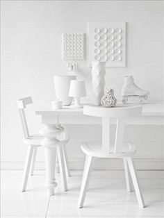 Off white, all white, pristine and sleek dining room design / chairs / white / deco / home / style White Now, All White, Pure White, White Light, Snow White, Art Blanc, Blanco White, Casa Clean, Shades Of White
