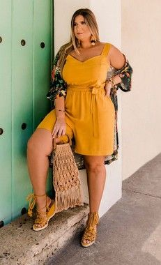 Latest Dress For Chubby Women Plus Size Looks, Look Plus, Plus Size Model, Fat Girl Fashion, Curvy Fashion, Fashion Outfits, Womens Fashion, Night Outfits, Plus Size Summer Fashion
