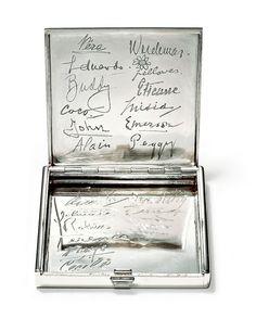 "Cartier - Cigarette Case - Platinum - Paris - 1931 The back of the lid is engraved with twenty signatures ""Coco"" - Coco Chanel, ""Misia"" - Misia Sert, ""Fellowes"" - Daisy Fellowes, ""Vera"" - Vera de. Elsie De Wolfe, Chanel Brand, Coco Chanel, Vintage Cigarette Case, Cigarette Box, Cartier, Mademoiselle Coco, Peggy Guggenheim, Cigar Cases"