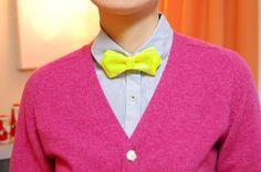 Reflector bow tie