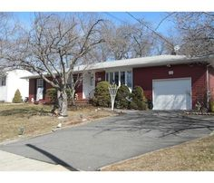 RESIDENTIAL - EAST BRUNSWICK TWP., NJ Farrington Lake area ranch home with 3 bdrms, 1 1/2 bths, lvg rm, dng rm, & den/family rm. Hardwood floors, full basement with wood burning stove that heats entire house! Roof 2004, siding 2008,heat/ac 2006, newer windows, whole house generator, serene backyard. East Brunswick Blue Ribbon schools. Milltown mailing address.