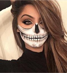 Halloween Makeup Skull, Halloween Eyes, Halloween Makeup Looks, Halloween Skeletons, Easy Halloween, Halloween Party, Half Skull Makeup, Halloween Costumes Women Scary, Halloween Stuff
