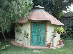 A Yurt is a portable dwelling. To my knowledge the only Yurt in Guatemala is in Panajachel at Jenna's River Bed and Breakfast. #panajachel #bedandbreakfast #lakeatitlan #antigua #yurt #guatemala #guatemalacity #omg #hotel #vacation