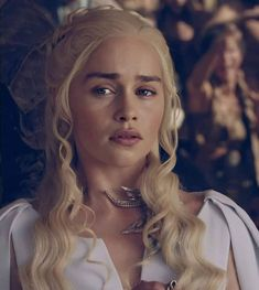 Game Of Thrones Dress, Game Of Thrones Tyrion, Game Of Thrones Dragons, Emilia Clarke Daenerys Targaryen, Dany Targaryen, Fantasy Art Women, Viking Warrior, Pretty And Cute, Pretty Girls