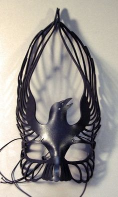 "The Masque of All Souls - perfect for a ritual honouring The Morrigan (""Great Queen"" whose familiar is the Raven). TERESA says: erm or just a cool mask for a fancy dress party. Larp, The Wicked The Divine, Diy Masque, Steampunk, Foto Fashion, All Souls, Crows Ravens, Leather Mask, Venetian Masks"