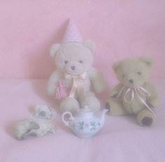 Plushies, Softies, Arte Alien, Kawaii Bedroom, Baby Kittens, Pink Room, Creepy Cute, Cute Toys, Doll Maker