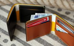 SS 2013 Landmarks & Lions - CLASSICS COLLECTION bifold wallet