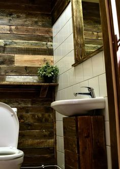 Pallet Bathroom Wall Decor