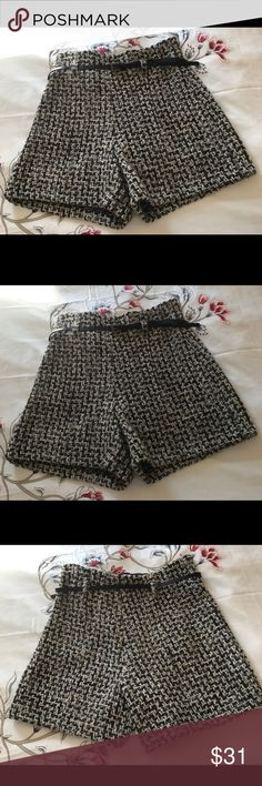 Winter pattern short Nice  pattern black, grey & beige winter short. Wore just one time. Italian size 44/34 United Colors Of Benetton Shorts Skorts