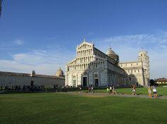 Visiter la tour de Pise avec les enfants - Toscane en famille - Piazza del Duomo - Pisa - Italia - Italy with children