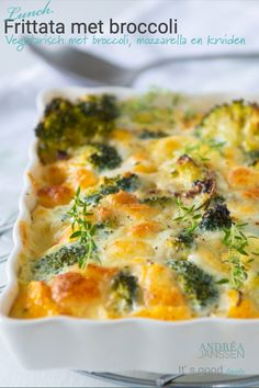 frittata with broccoli, a delicious vegetarian lunch or dinner recipe.You can find Vegetarische recepten hoofdgerecht and m. Baked Frittata, Frittata Recipes, Veggie Recipes, Lunch Recipes, Healthy Recipes, Veggie Food, Pasta Recipes, Vegetable Frittata, Vegetable Bake