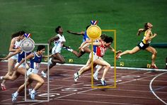 En los 100 metros planos femeninos de los Juegos Olímpicos de Moscú 1980, la soviética Lyudmila Kondratyeva y la alemana oriental Marlies Oelsner-Göhr llegaron juntas, en 11,06 segundos.     En la imagen del foto finish, los jueces observaron que las cabezas, hombros, caderas y piernas de ambas competidoras habían cruzado la meta al mismo tiempo. El factor decisivo fue anatómico: los pechos de Kondratyeva eran más voluminosos que los de su rival.