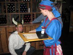 Viikinkiravintola Haraldin viikinkikaste. Kasteen suorittaneista poikasista tulee miehiä ja miehistä viikinkejä. Naisille kasteen suorittaminen on merkki määräysvallasta perheen sisällä. Kasteessa kokelas syö palan HAPANHAITA ja huuhtelee koettelemuksen alas vainojuomalla. www.ravintolaharald.fi Vikings, Baseball Cards, Restaurant, The Vikings, Diner Restaurant, Restaurants, Dining, Viking Warrior