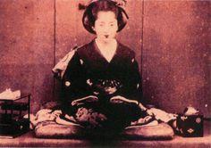 12位:南部郁子(盛岡藩主・南部利剛の娘/1868年撮影)の写真(ガチで美人過ぎる幕末女性ランキング)