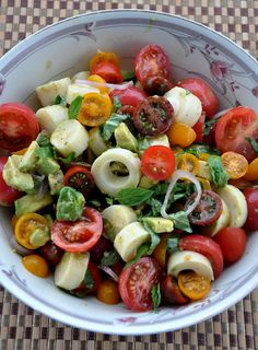 Fresh from the Farmer's Market! Heirloom Tomato & Heart of Palm Salad: http://www.secretsofafoodie.com/2012/07/heirloom-tomato-and-heart-of-palm-salad.html