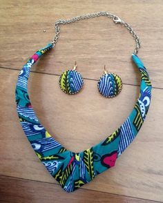 Qualquer dúvida envie email para maeafroo@outlook.pt Turquoise Bracelet, Beaded Necklace, Bracelets, Jewelry, Fashion, African Textiles, Ear Rings, Beaded Collar, Moda