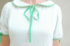 Soviet vintage white green polka dots peter pan collar by semivint