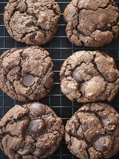 Mexican Hot Chocolate Cookies -- what a delicious and original idea!  How perfect would this be for Cinco de Mayo?